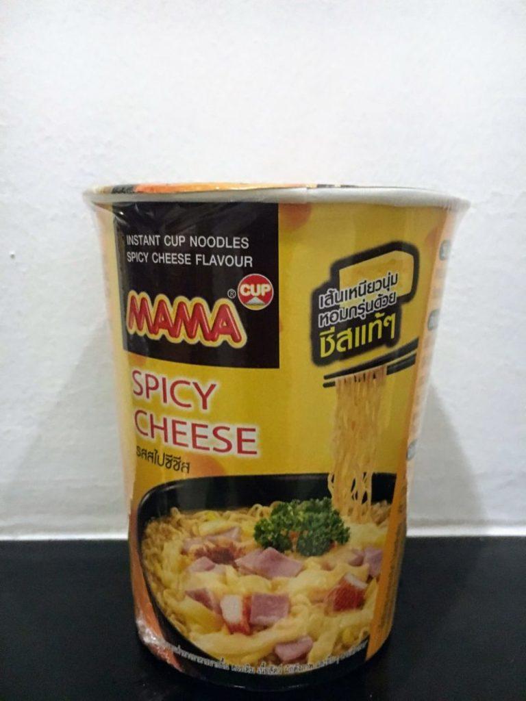 ママのカップヌードルスパイシーチーズ味