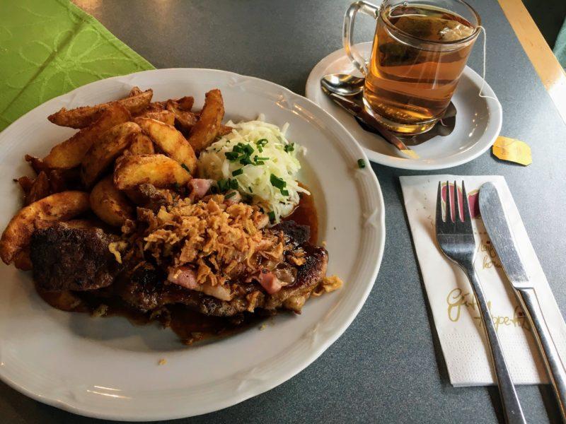 ノイシュバンシュタイン城の近くで食べたランチメニュー