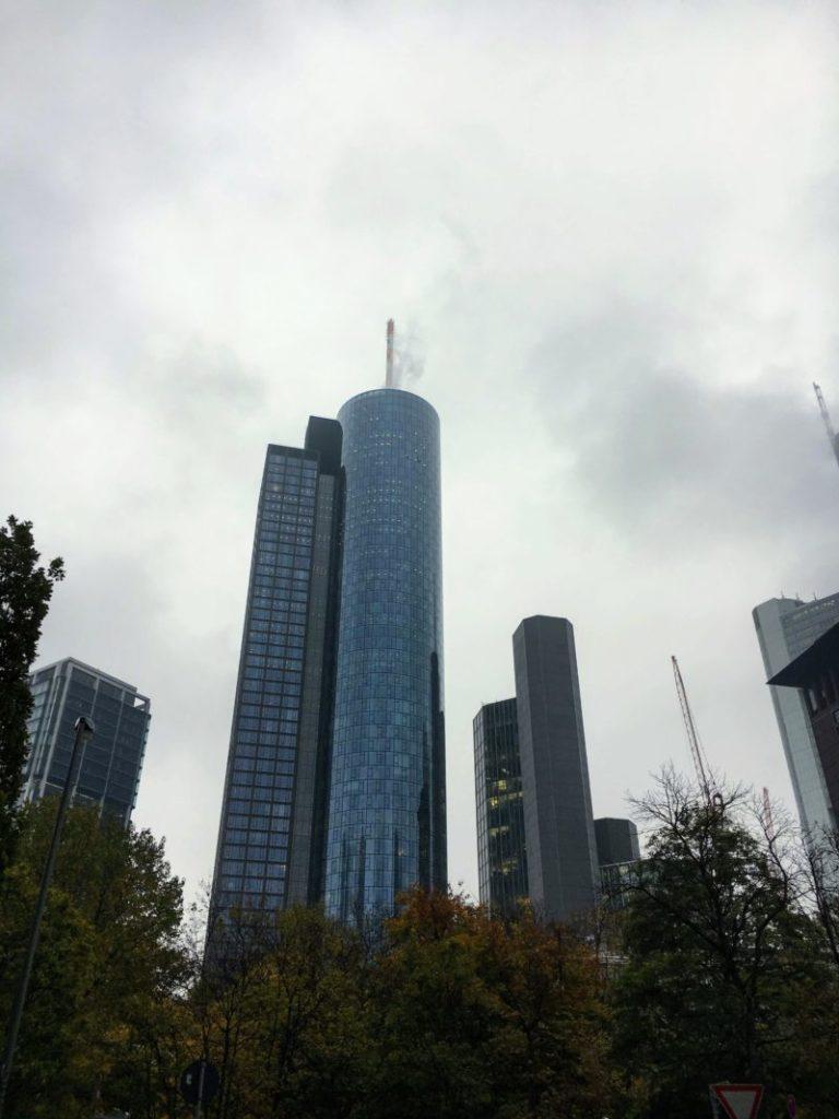 フランクフルトの近代的ビル