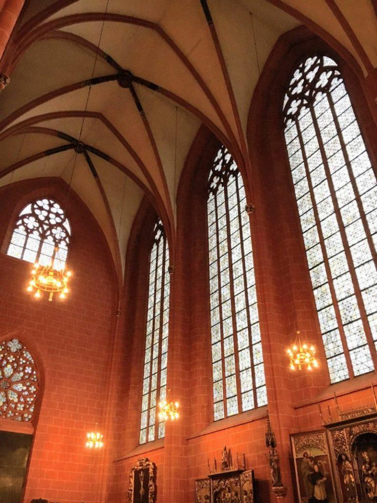 聖バルトロメウス大聖堂のステンドグラス