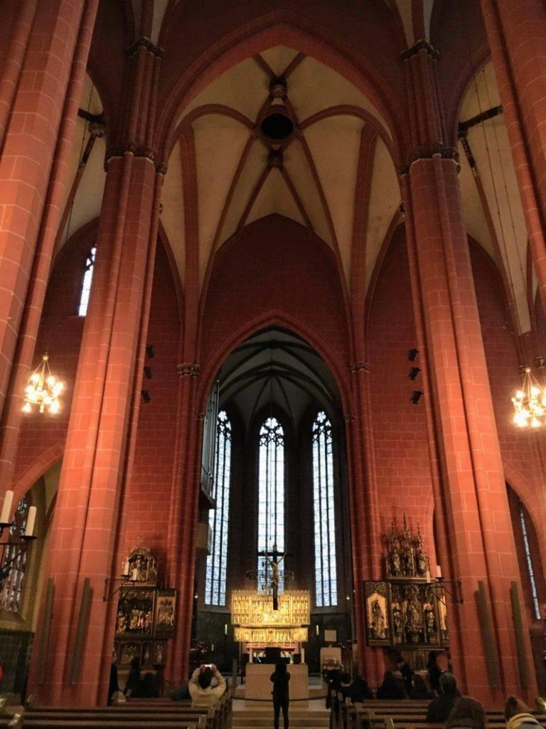 聖バルトロメウス大聖堂の内部
