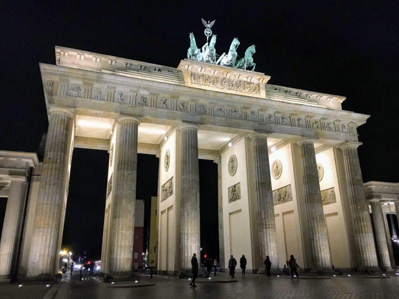 ベルリンのブランデンブルク門直近