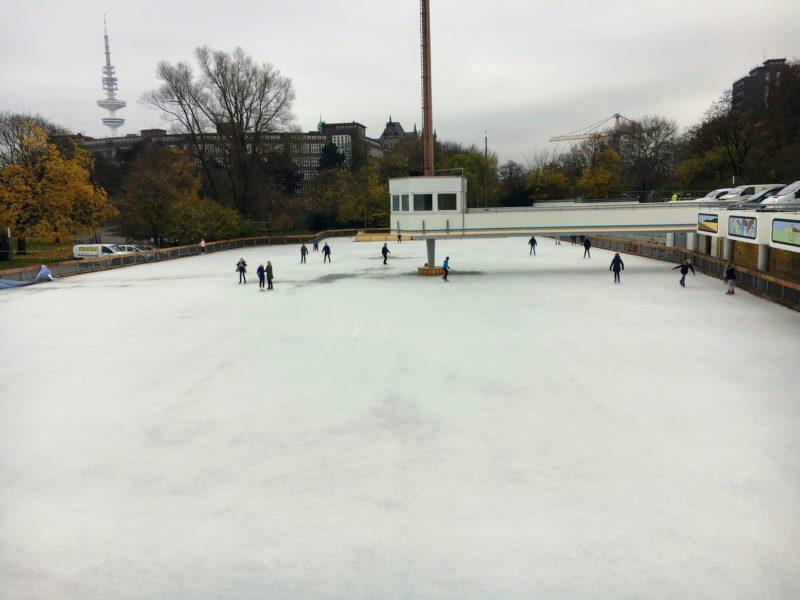ハンブルクのアイススケートリンク場