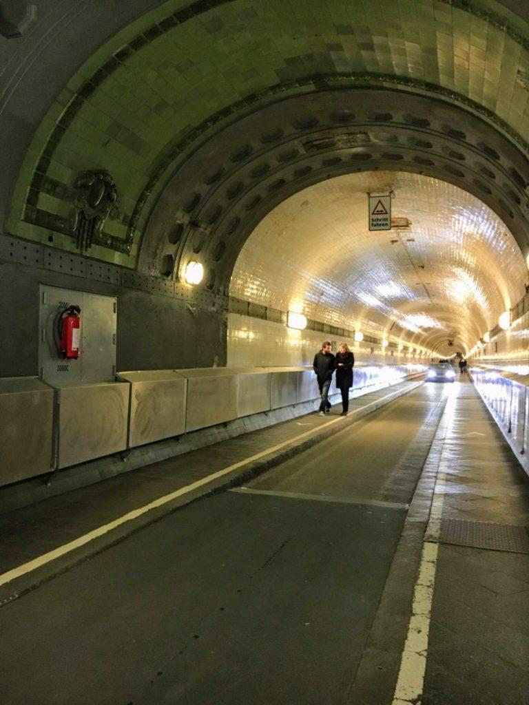 ハンブルクのザンクト・パウリ・エルベトンネル