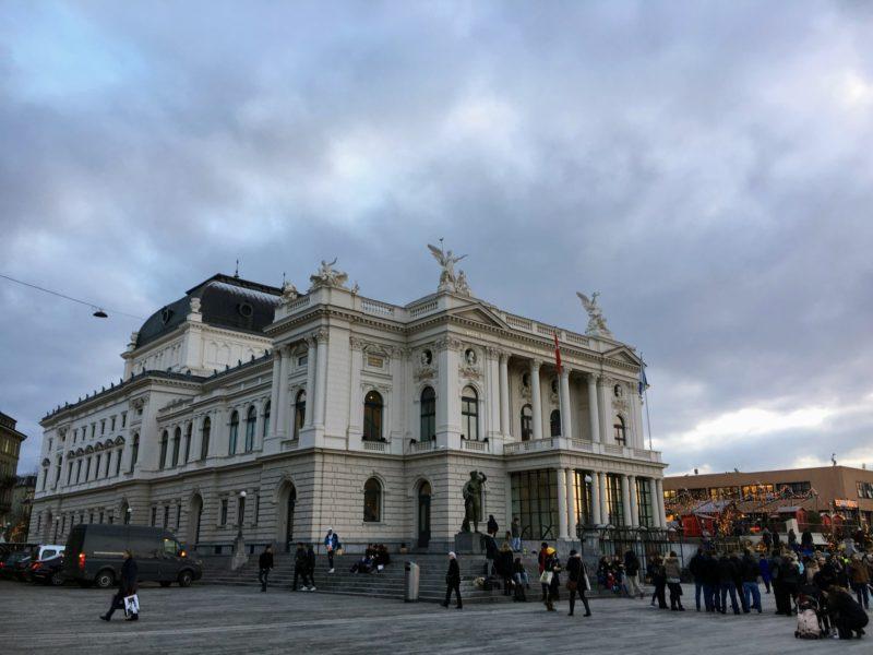 チューリッヒ歌劇場