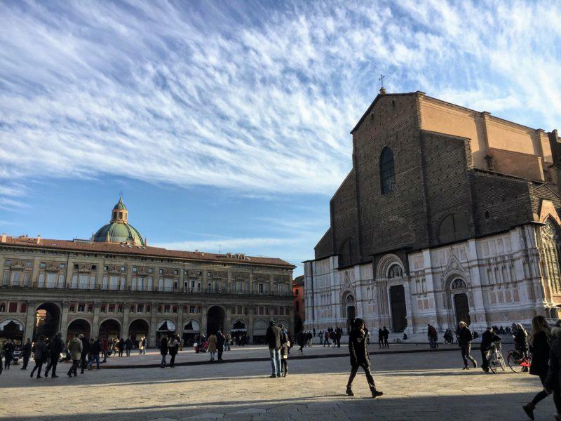 ボローニャのマッジョーレ広場