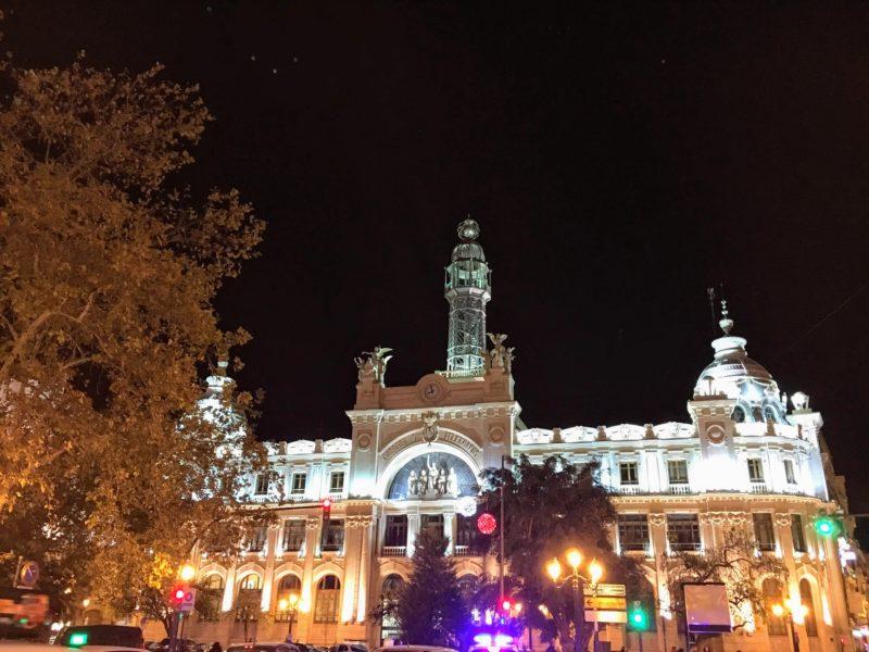 バレンシア中央郵便局のライトアップ