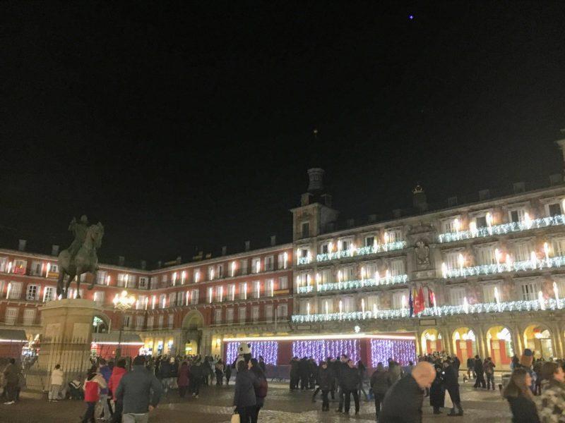 マヨール広場のライトアップ