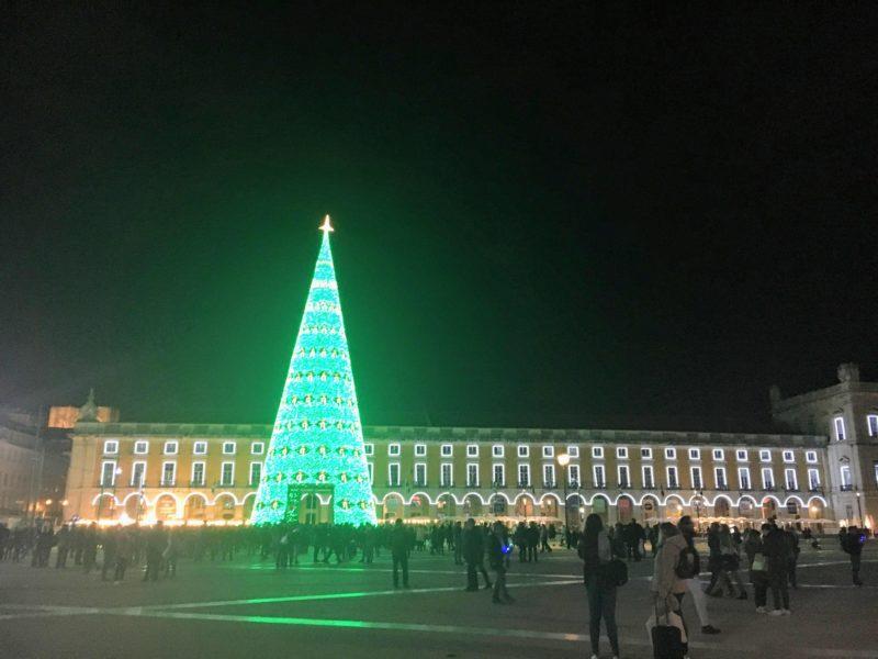 コルメシオ広場のライトアップ