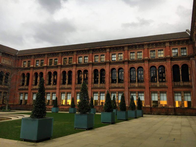 ヴィクトリア&アルバート博物館の中庭