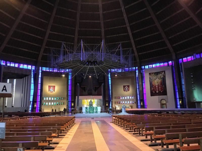 リヴァプールメトロポリタン大聖堂内部