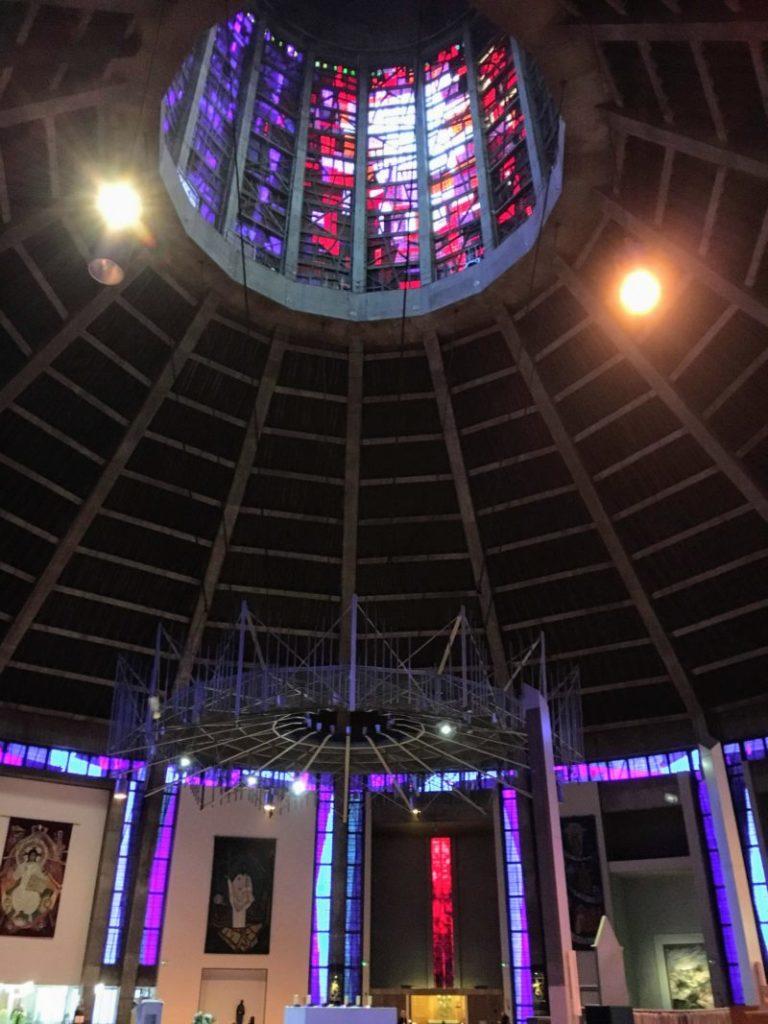 リヴァプールメトロポリタン大聖堂ステンドグラス