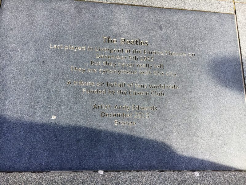 ビートルズ記念碑