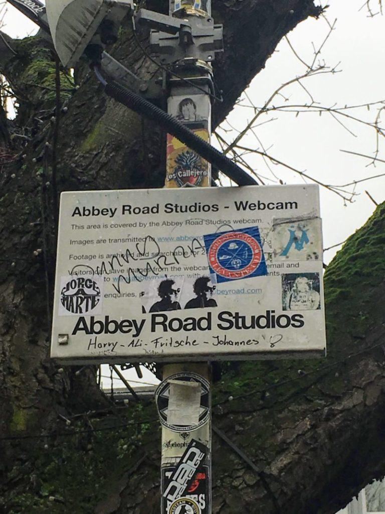 アビー・ロード・スタジオの看板