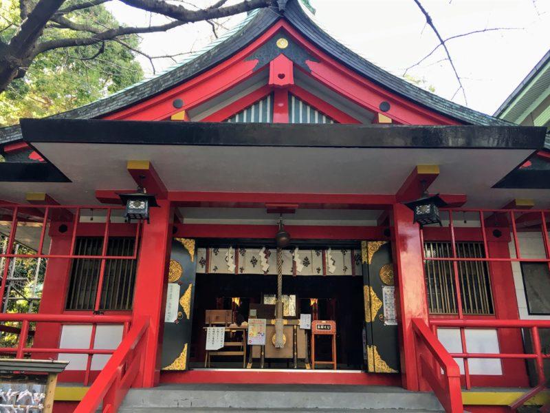 三田春日神社の拝殿