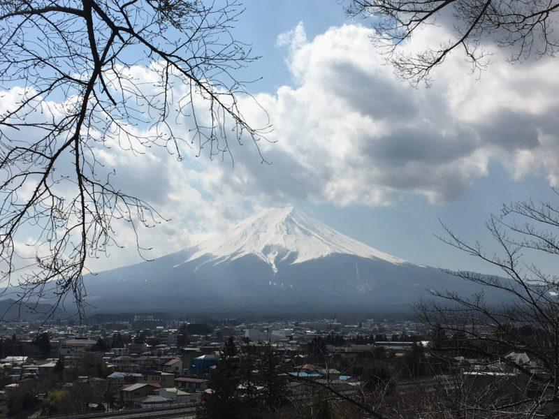新倉富士浅間神社から見える富士山