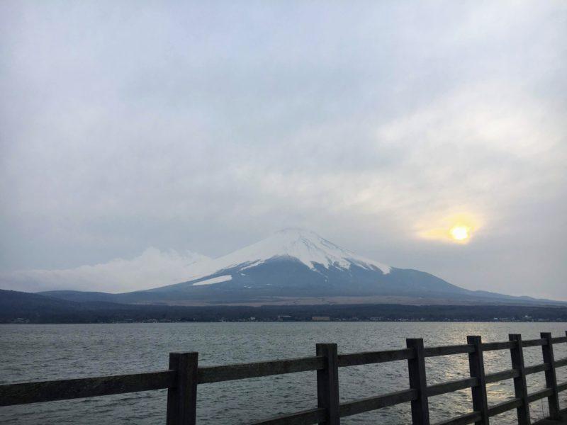 Cafeノア前にある無料駐車場から見える富士山
