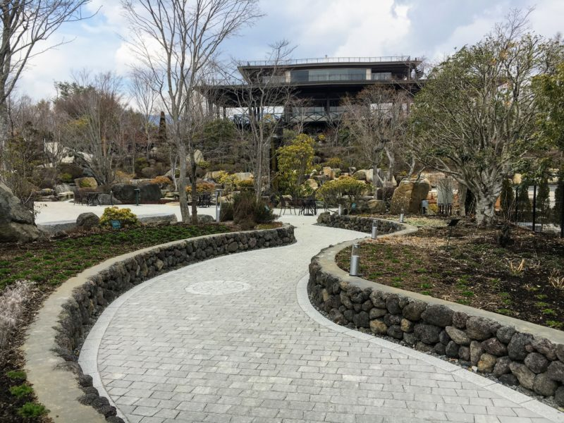 ハーブ庭園 旅日記 富士河口湖庭園のふじさんデッキ