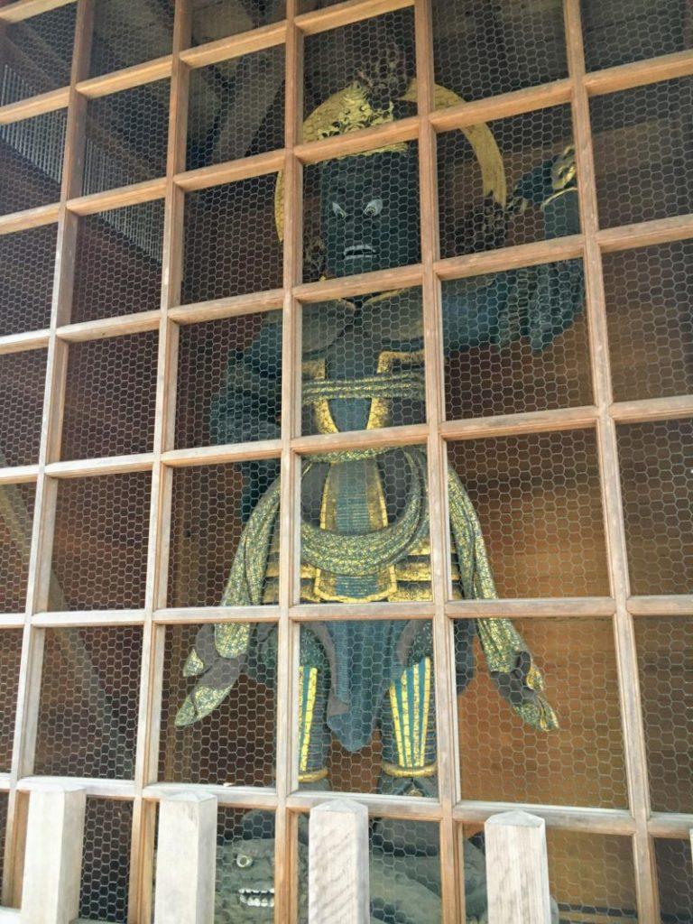 忍野八海 浅間神社の仁王像
