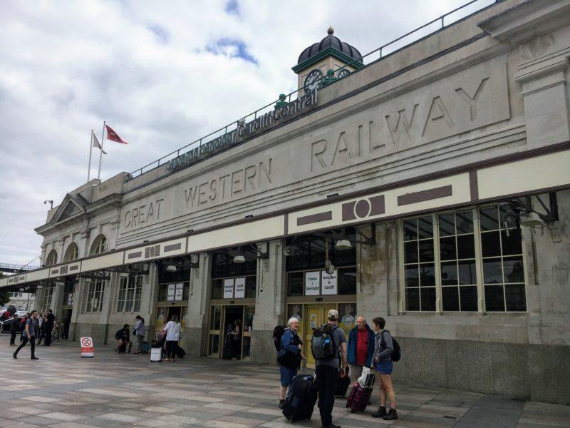 カーディフセントラル駅(Cardiff Central )