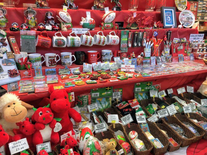 カーディフマーケット(Cardiff Central Market Marchnad Caerdydd)にある雑貨店