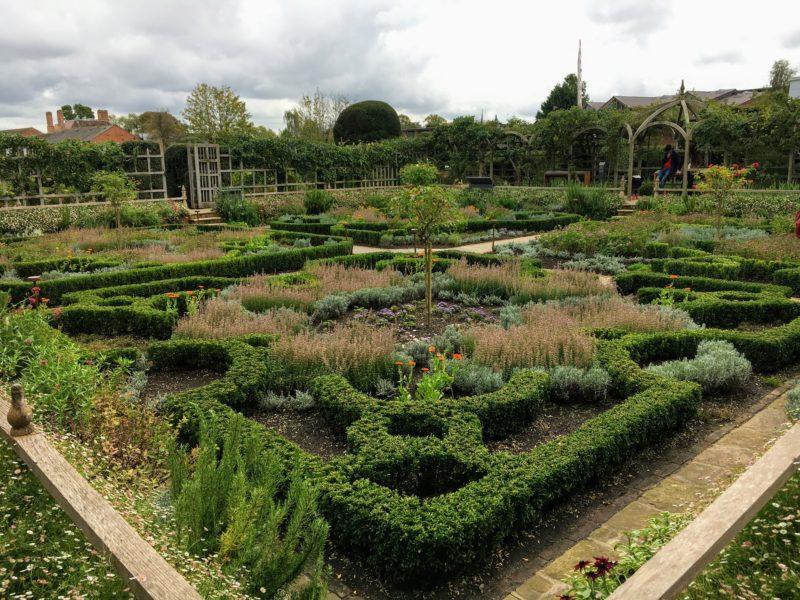 シェイクスピアズ ニュープレイス(Shakespeare's New Place)の庭